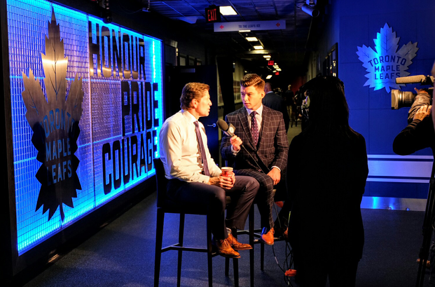 Mike Babcock interview in front of TML feature